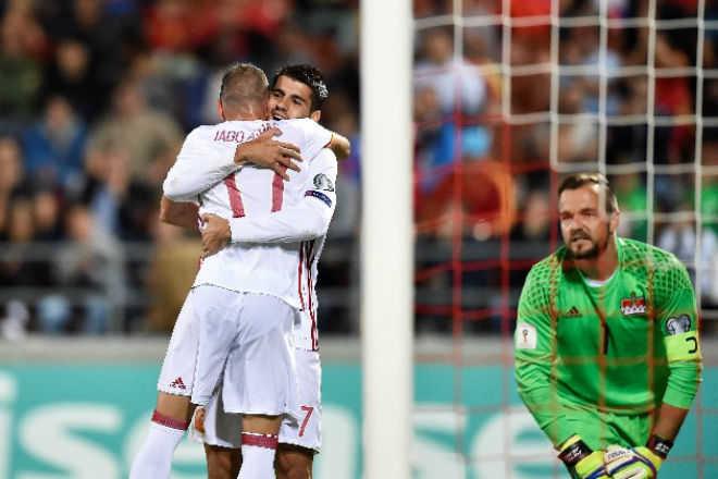 Morata tỏa sáng, Tây Ban Nha vượt xa mong đợi