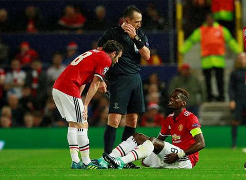 Mourinho văng tục lùm xùm mâu thuẫn với Pogba, Barca cảnh giác cao MU