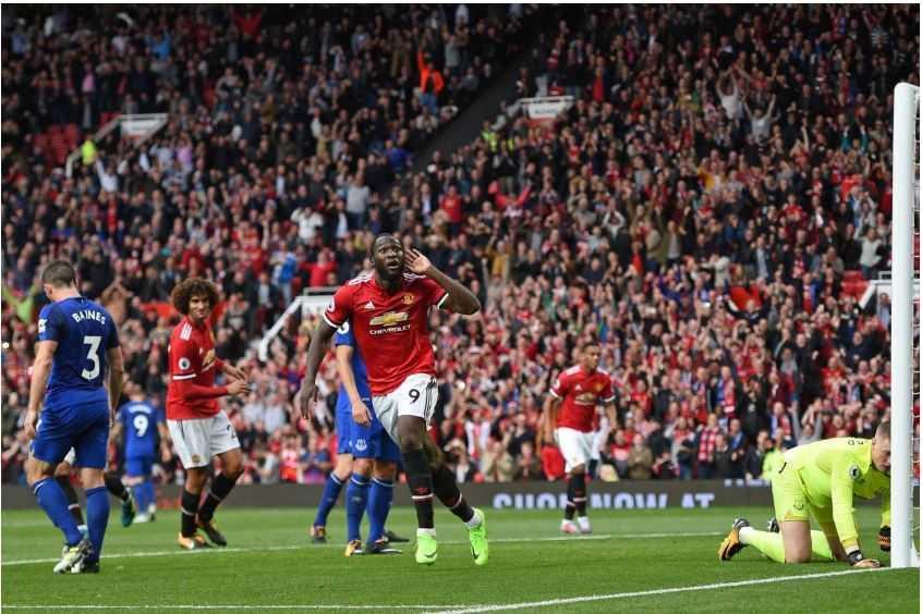 Tại sao MU xếp dưới Man City dù bằng điểm, hiệu số lẫn số bàn thắng?