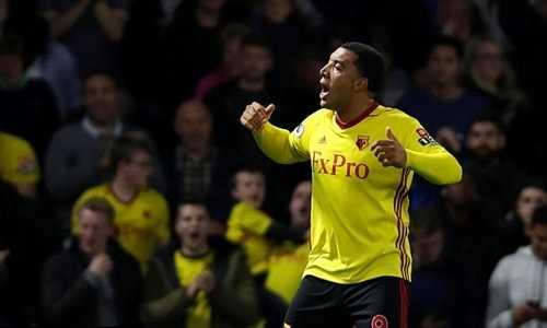 Arsenal bị đội trưởng Watford chê thiếu chất đàn ông