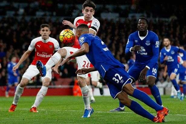 Arsenal vừa đè bẹp Everton 5-2