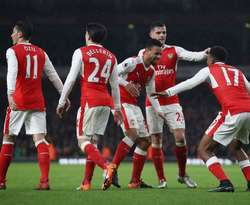 Mkhitaryan nổ súng, Arsenal đặt 1 chân vào tứ kết