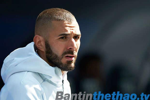 Zidane nói rằng Benzema đang dần trở nên tốt hơn