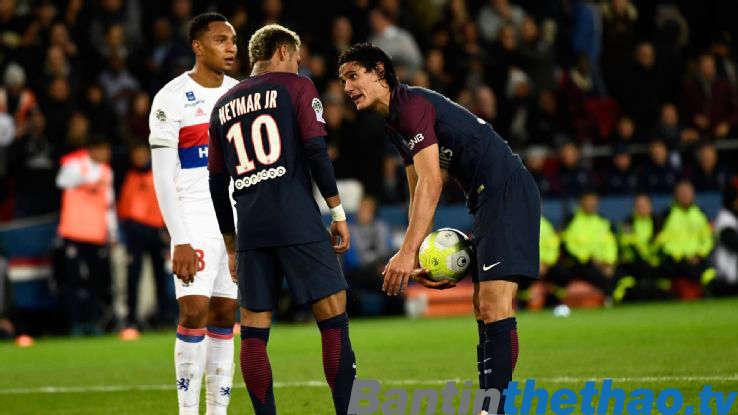 Cavani nói rằng anh và Neymar không cần phải là những người bạn ngoài đời