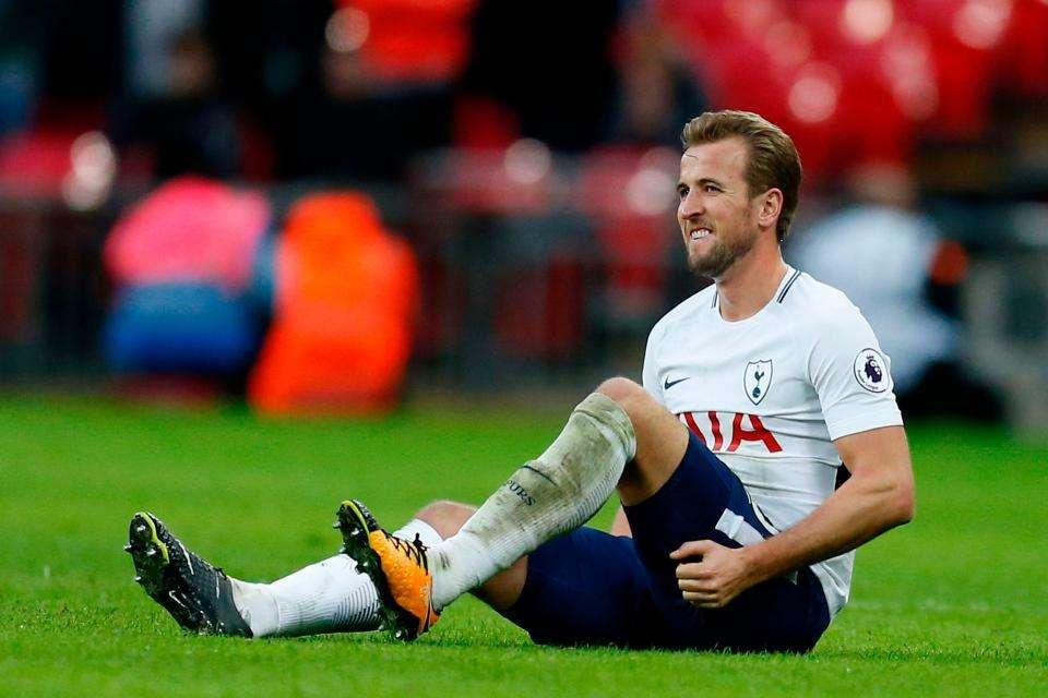 Kane vắng mặt vì chấn thương gân kheo