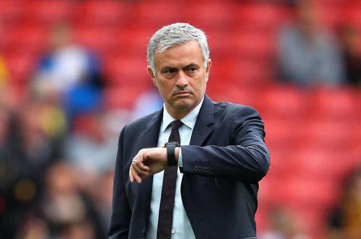 Mourinho chỉ mong hết giờ trong trận hòa không bàn thắng với Liverpool