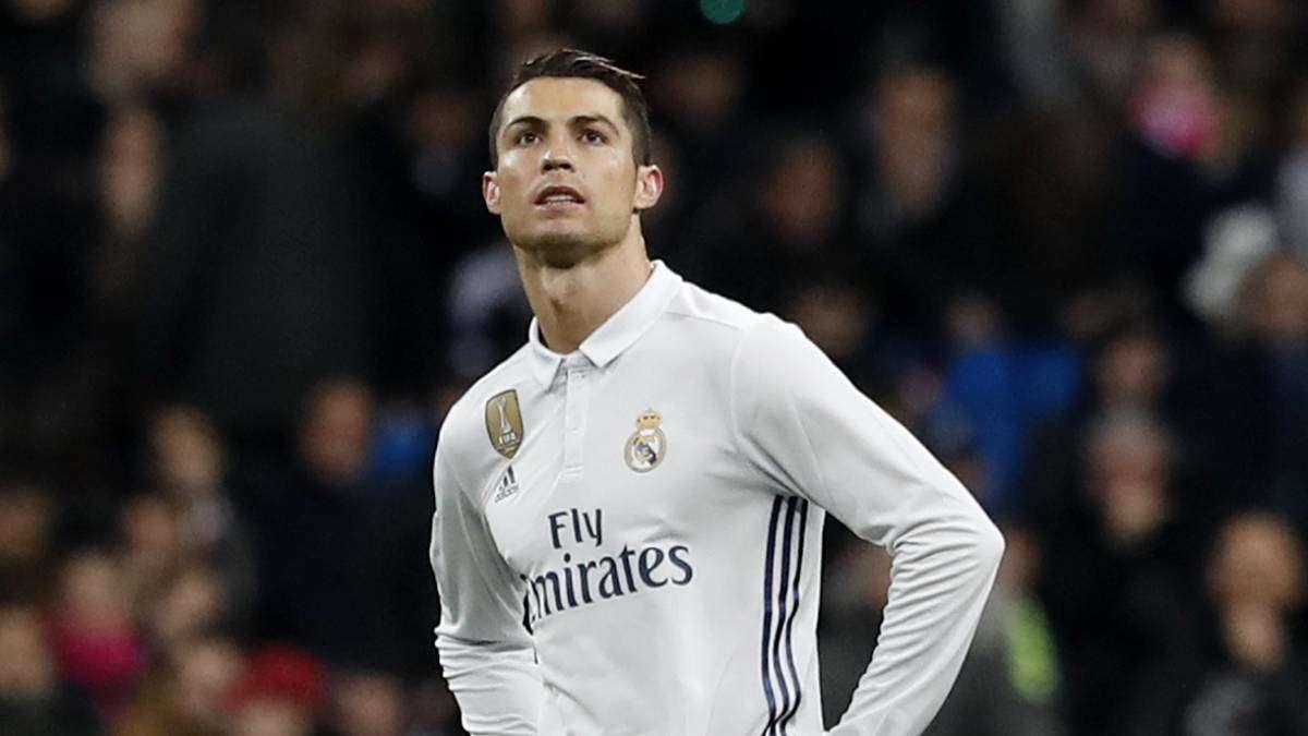 Balotelli nói đùa rằng anh sẽ là người thay thế Ronaldo ở sân Bernabeu
