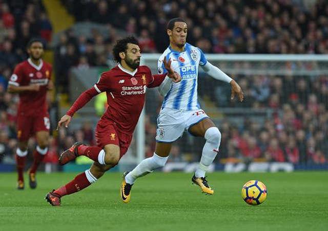 Salah chơi đầy nỗ lực nhưng không thể ghi bàn