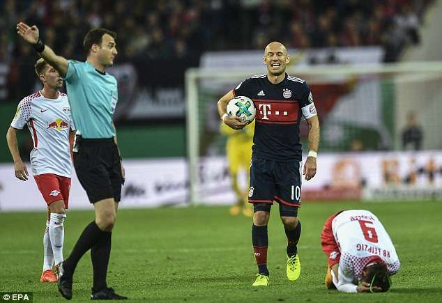 Bayern Munich thường may mắn khi chạm trán Leipzig