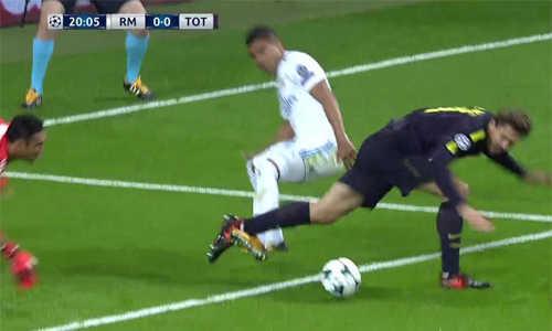 Trọng tài Tây Ban Nha khẳng định Tottenham phải được hưởng phạt đền