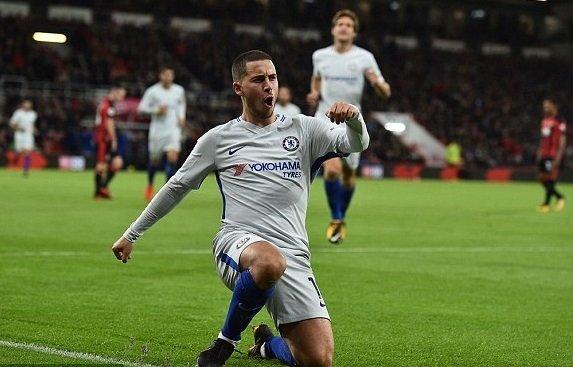 Hazard ăn mừng bàn thắng duy nhất của trận đấu