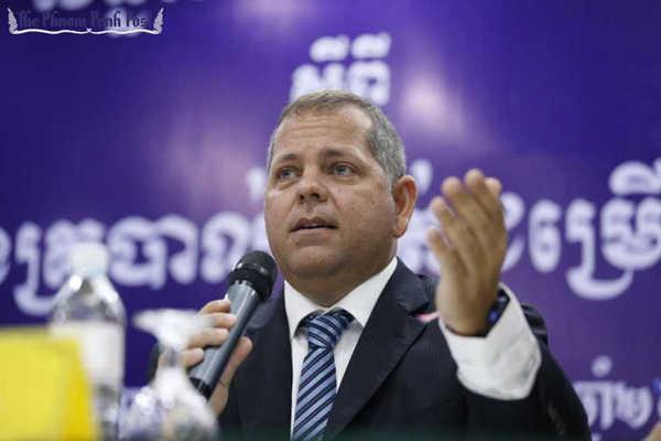 HLV Campuchia từ chức sau thất bại trước tuyển Việt Nam