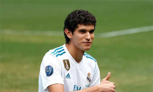 Cầu thủ chờ 819 ngày để ra sân trận đầu tiên cho Real