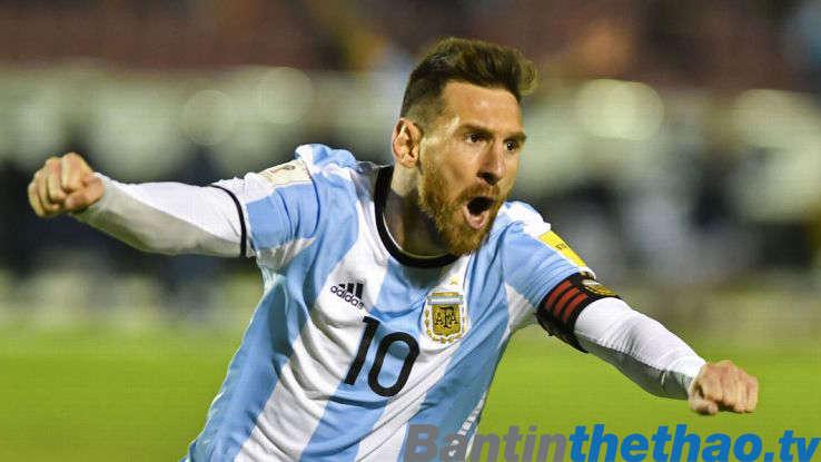 Messi một mình đưa Argentina vào World Cup