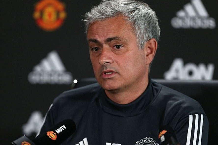 """Chắc chắn người ta sẽ phải chứng kiến """"chiếc xe buýt"""" của Mourinho thêm nhiều lần nữa trong mùa giải này"""