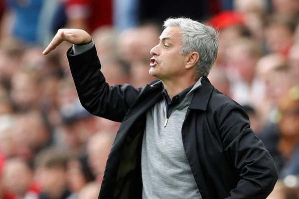 "Trước trận MU - Tottenham: Mourinho sẽ lại ""dựng xe bus""?"