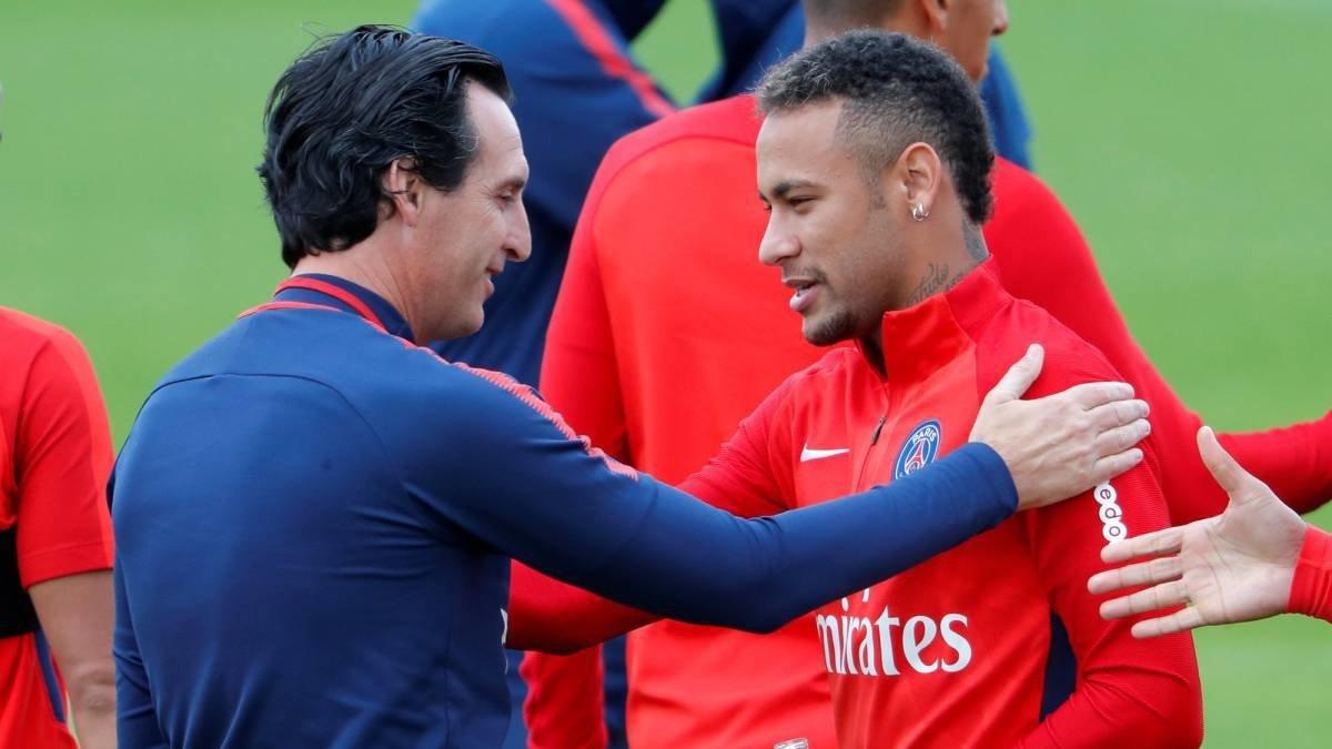 Neymar lại gây rối ở PSG, lần này là với HLV Emery