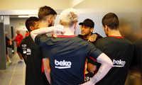 Neymar bất ngờ xuất hiện tại sân tập Barca