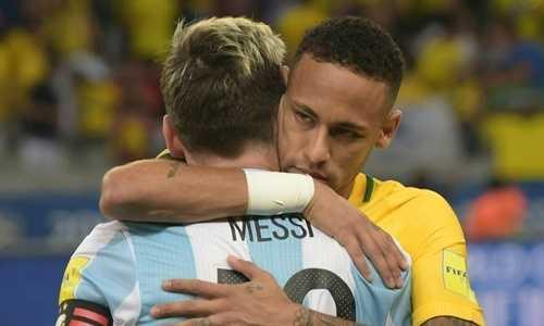 Neymar chúc mừng Messi vì được dự World Cup 2018