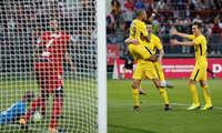PSG thắng kịch tính, bỏ cách Monaco sáu điểm trên BXH