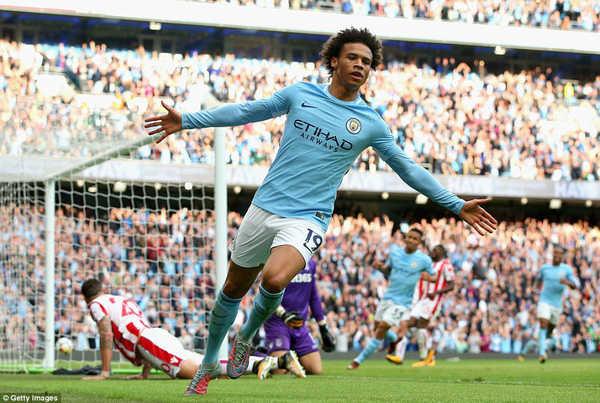 Video Man City 7-2 Stoke: Dễ như đá tập
