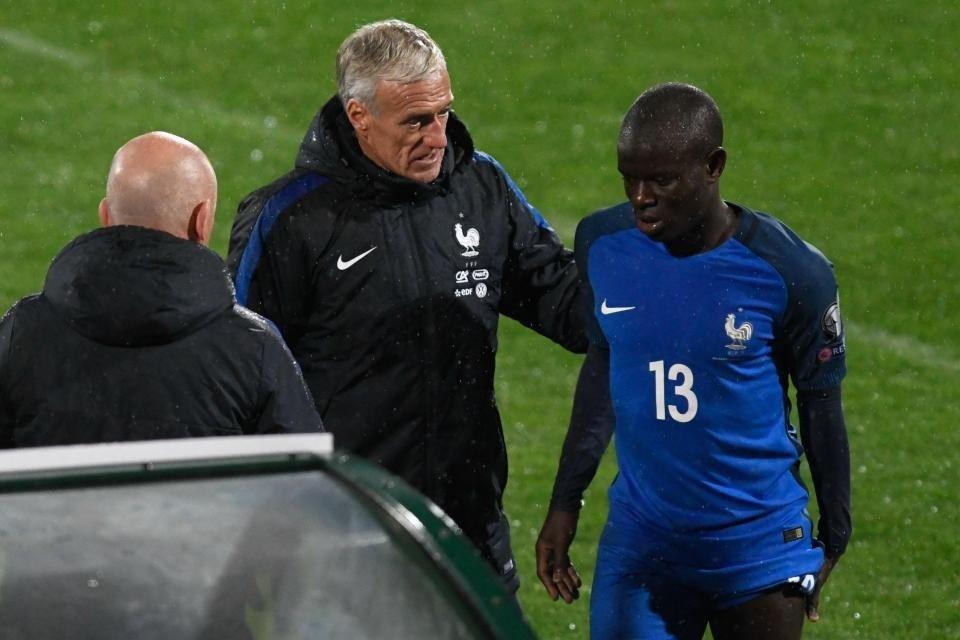 Kante bị thay ra giữa trận Bulgaria vs Pháp
