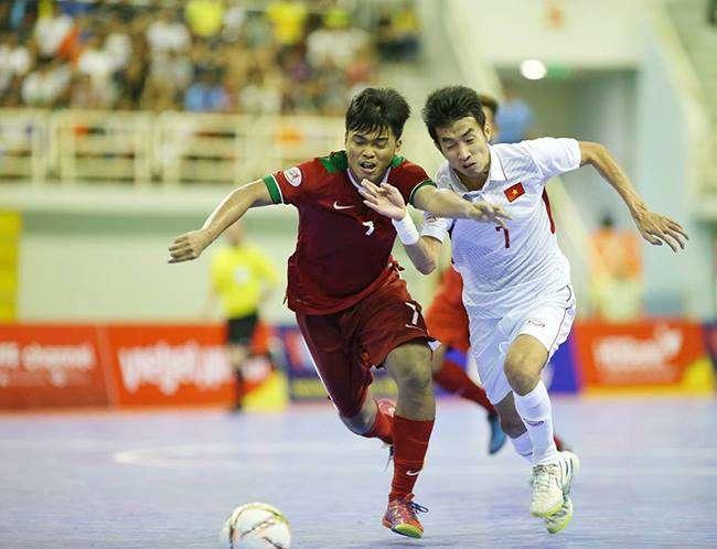 Futsal Việt Nam ở rất gần chiếc vé bán kết.