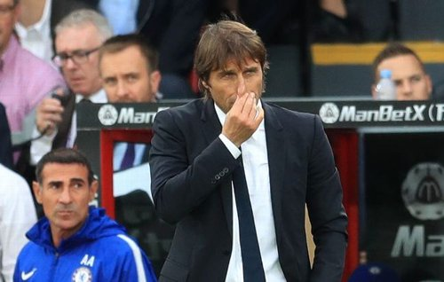HLV Conte than phiền lực lượng của Chelsea mỏng.
