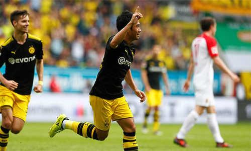 Kagawa lập kỷ lục, Dortmund chiến thắng nhọc nhằn
