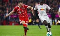 Bayern hạ Leipzig, chiếm ngôi đầu bảng Bundesliga