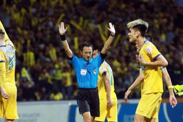 Công tác trọng tài ở Việt Nam mất hết uy tại V-League