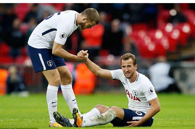 Harry Kane dính chấn thương cuối trận với Liverpool