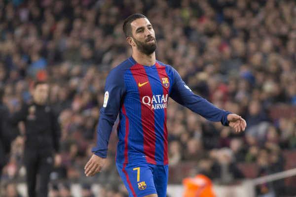 Ba cầu thủ trong danh sách phải rời khỏi Barcelona