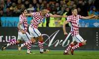 Hạ gục Ukraine, Croatia đoạt vé đá play-off World Cup