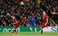 Willian tỏa sáng, Chelsea cầm hòa Liverpool trên Anfield