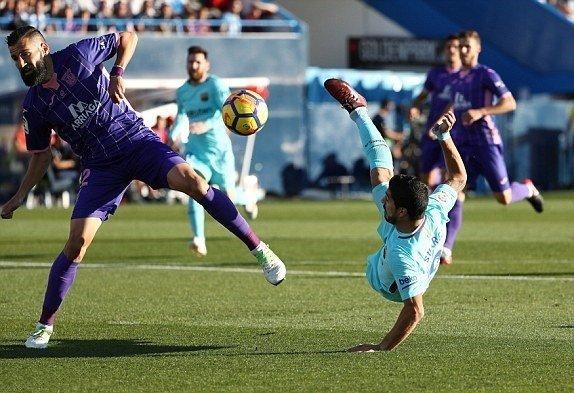 Suarez có cú đúp cho riêng mình