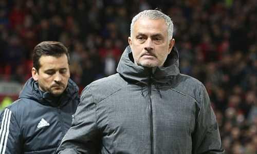 Mourinho khiến 50 nhân viên MU không được đón Noel