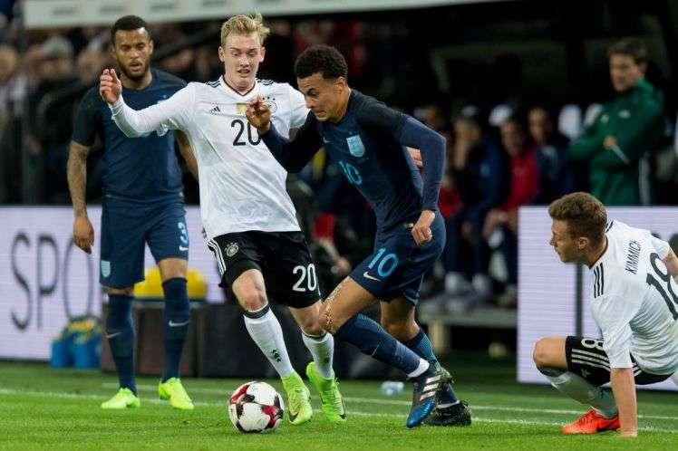 Anh vừa hòa Đức 0-0