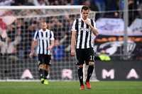 Thủng lưới 3 bàn, Juventus muối mặt rời Genova