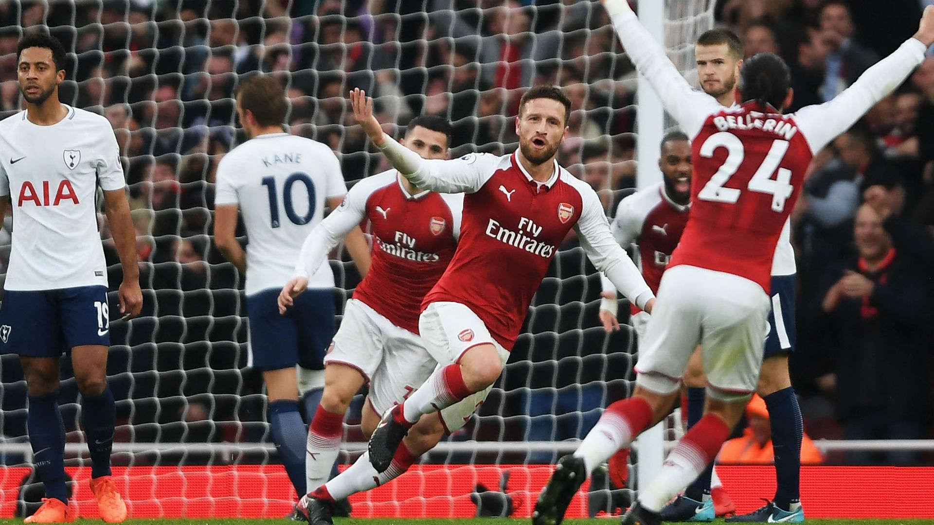 Arsenal (áo đỏ) vẫn có thể trở lại cuộc đua Premier League nếu như trận nào họ cũng chơi như trước Tottenham vào cuối tuần trước