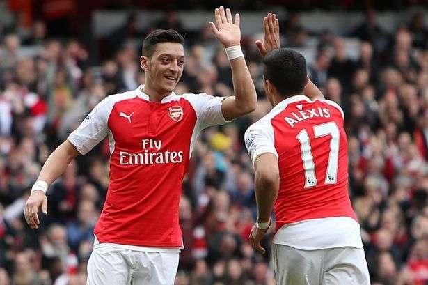 Nhiều khả năng Arsenal sẽ mất trắng Sanchez và Ozil sau khi mùa giải này kết thúc