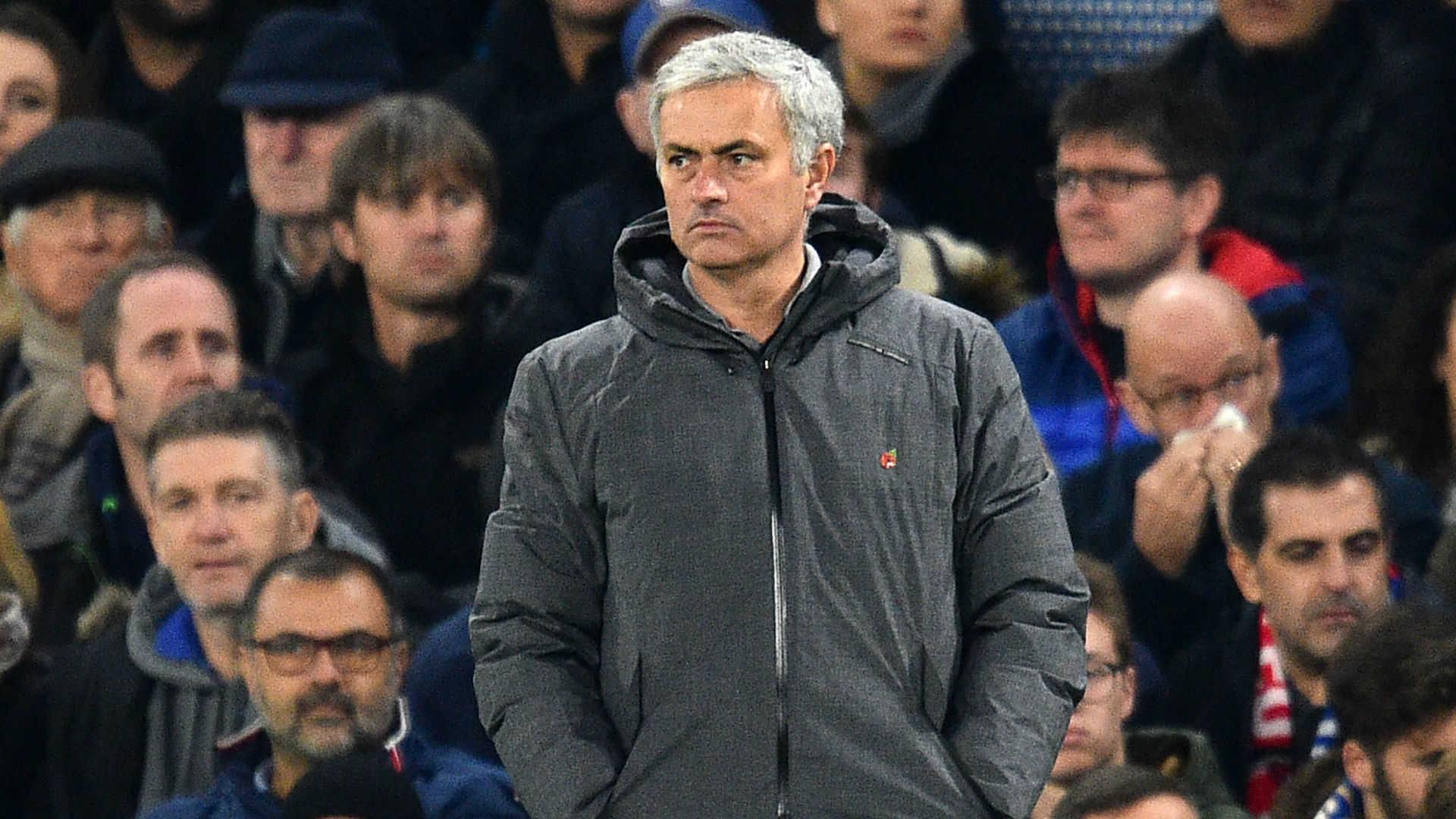"""Mourinho sẽ sang PSG, Ronaldo háo hức """"khoe"""" đứa con thứ 4 của mình"""
