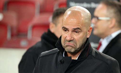 Chiếc ghế HLV của Bosz ở Dortmund đang lung lay dữ dội