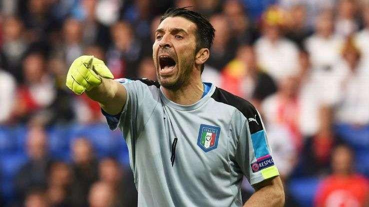 Buffon nói rằng anh có thể trở lại tuyển Italy
