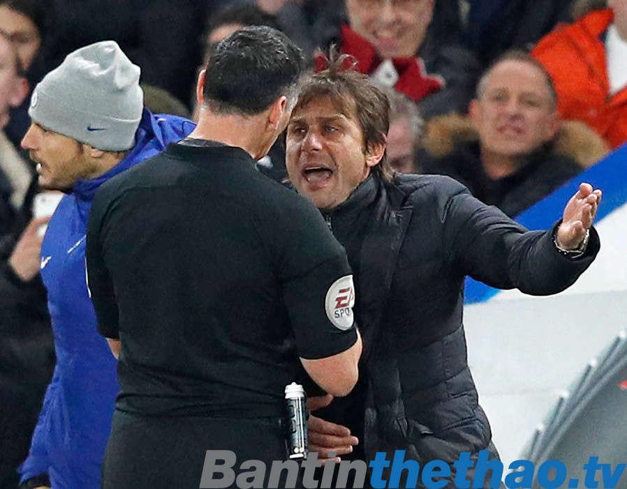 Conte đã hiểu lầm trọng tài khi ông bị truất quyền chỉ đạo đêm qua
