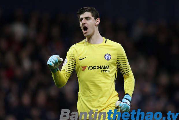 Thủ môn Thibaut Courtois nói rằng trận thua 0-3 trước Roma đã khiến Chelsea bừng tỉnh