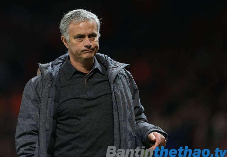 Mourinho sẽ sang PSG vào cuối mùa giải?