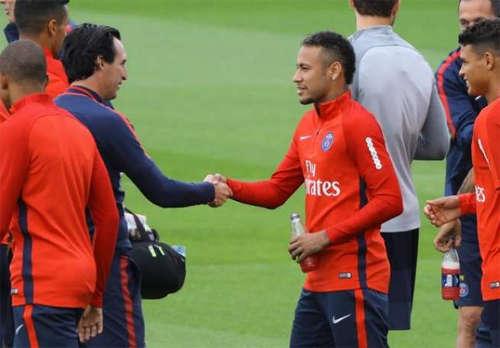 Mối quan hệ giữa Neymar và HLV Emery đang trở thành một đề tài nóng