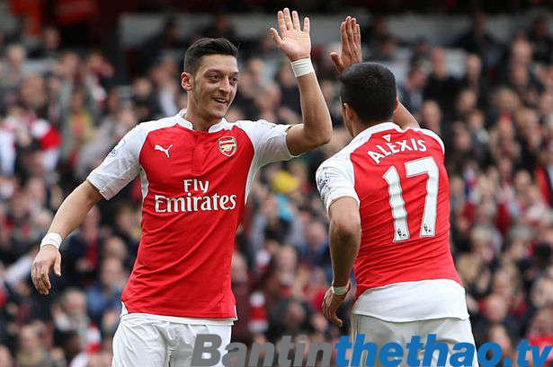 Ozil và Sanchez sẽ ở lại với Arsenal đến hết mùa giải này