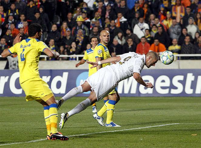 Real Madrid cần thắng APOEL và hy vọng Tottenham sảy chân